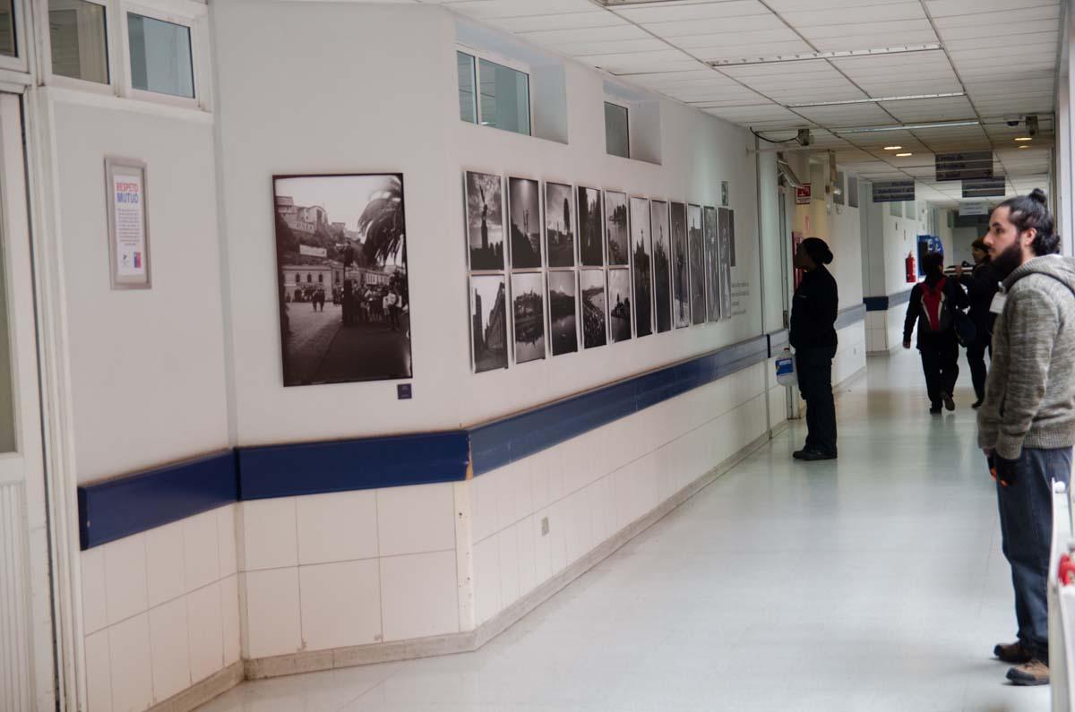 """Exposición de fotografía """"Martín Chambi en Chile"""", en Hospital Luis Tisné. Créditos: Samuel Salgado / CENFOTO"""