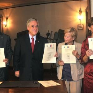 Presidente Piñera firmó acuerdo para restaurar Teatro Municipal de Iquique