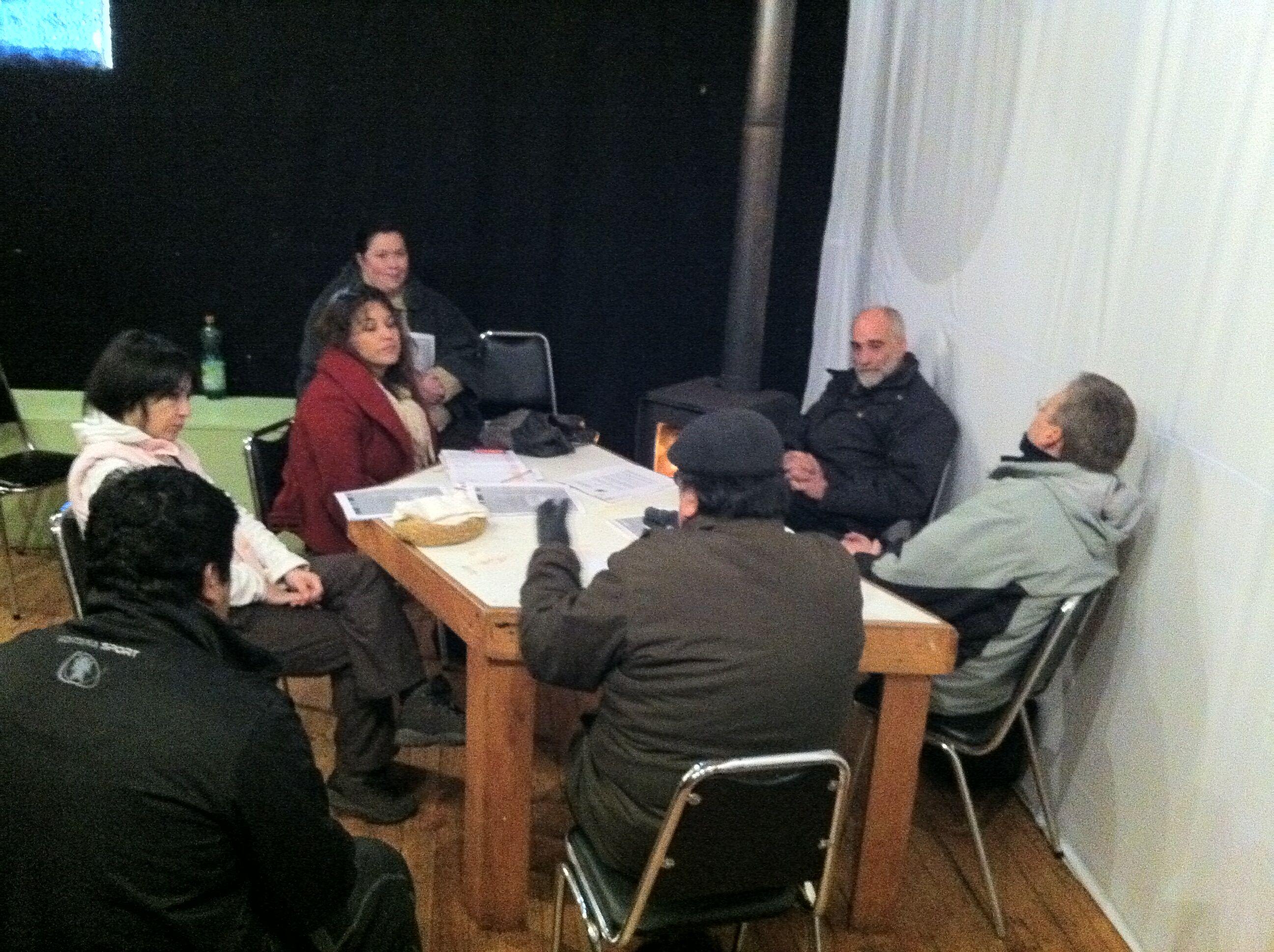 Director Regional se reunió con comunidad de Puerto Cisnes