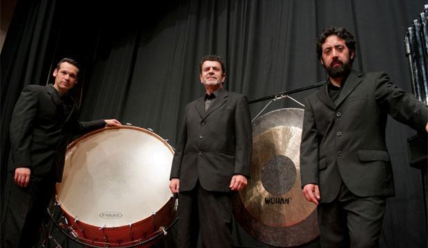 El grupo Kayros es integrado por los percusionistas Pablo Soza, Gipson Reyes y Jorge Vera.