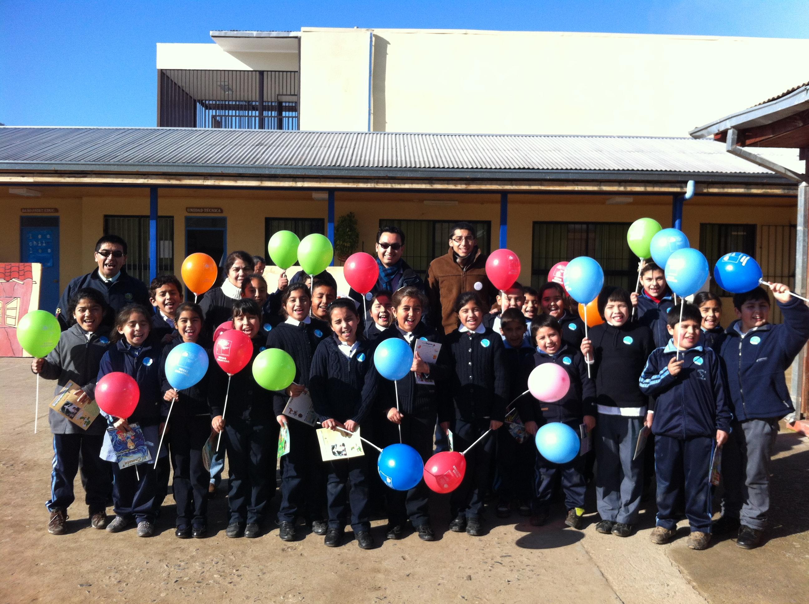 Niños y niñas de la escuela Lindorfo Moreno de Auquinco en Chépica participaron en jornadas de Animaciones Lectoras.