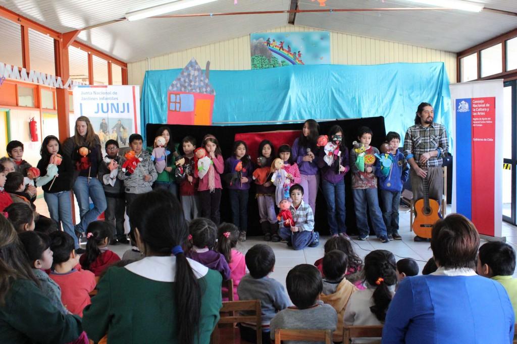 Niños y niñas de Coyhaique participaron del Taller de Creación y Manipulación de Títeres