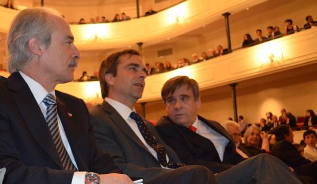 Intendente Mauricio Peña y Lillo, Ministro de Cultura Luciano Cruz-Coke, Alcalde de Pta. Arenas Vladimiro Mimica