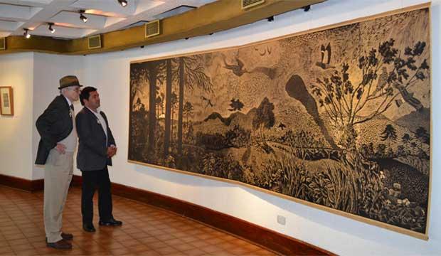 director de Cultura Benjamín Vogel y consejero de cultura y artista visual Hernol Flores