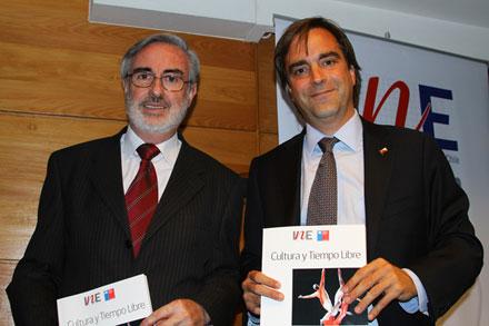 Francisco Labbé, director del INE, y Ministro Luciano Cruz-Coke