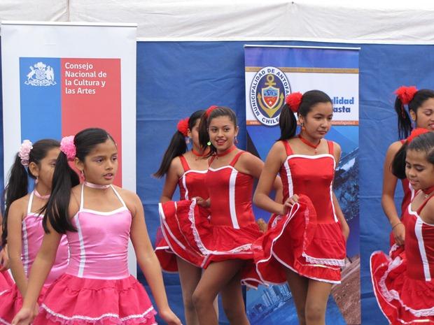estudiantes antofagastinos celebraron día de la danza