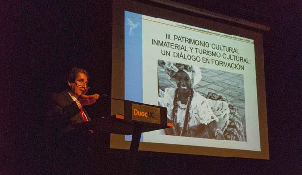 Fernando Villafuerte, Director General Centro Regional para la Salvaguarda del Patrimonio (Crespial), expone en Seminario Patrimonio Inmaterial