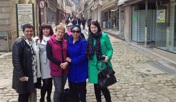 Irene Albornoz junto a representantes de Sudáfrica, Polonia, Alemania y República Checa