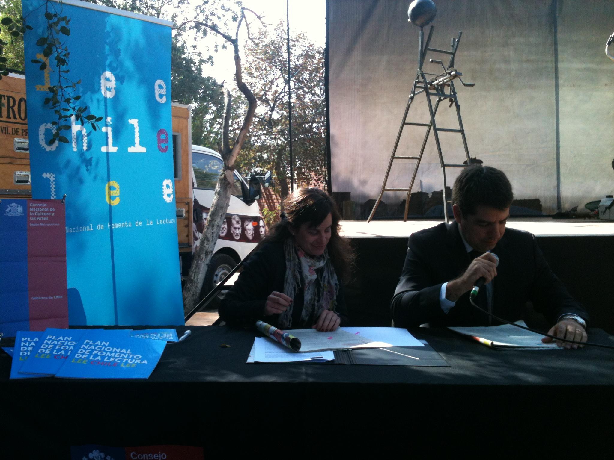 Consejo de la Cultura Región Metropolitana y SENAME firman convenio de colaboración en torno a la lectura