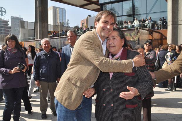 Día de la Danza: Ministro Luciano Cruz-Coke invitó a bailar desde niños a adultos mayores de todo el país