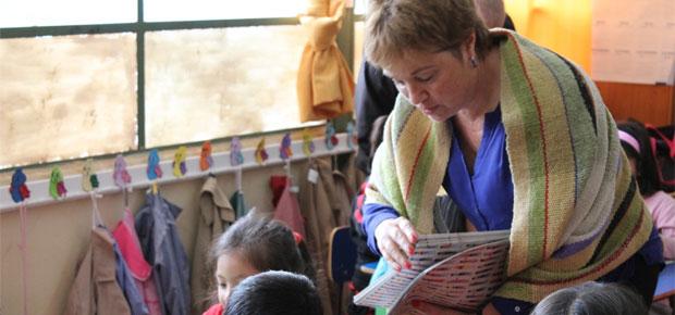 Irene Albornoz entrega Un Cuento al Día