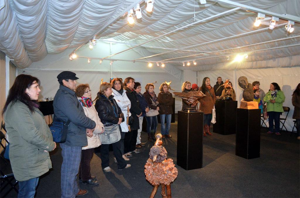 """""""Raíces, Cuenca del Lago Ranco"""" es la muestra con que el espacio dependiente del Consejo Regional de la Cultura y las Artes debutó en la línea de las exposiciones escultóricas."""