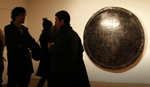 Foto: Y Gallery, Manhattan, obra Invisible Dust, de Alejandra Prieto, ganadora Beca Arte CCU