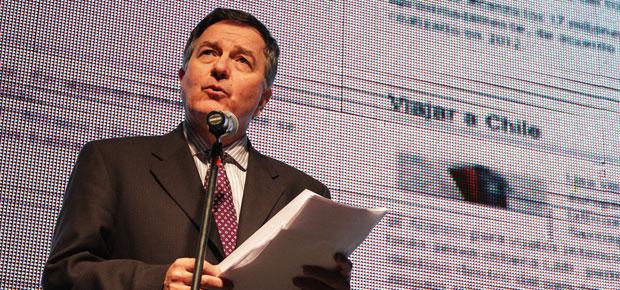 ministro presenta sitio web de la film commission chile en inauguración de sanfic