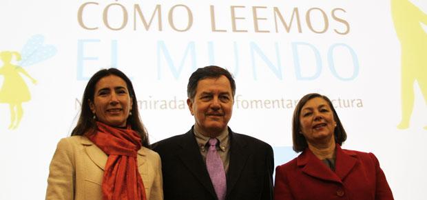 Ministra Schmidt, Ministro Ampuero y Magdalena Krebs durante el Seminario Internacional Cómo leemos el mundo