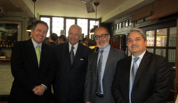Ministro, Embajador Sergio Romero, escritor Sergio Macías y editor Eduardo Castillo