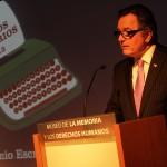 Ministro Ampuero en premiación Concurso Escrituras de la Memoria
