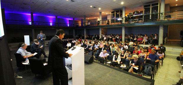 Ministro Ampuero en Cumbre IFACCA