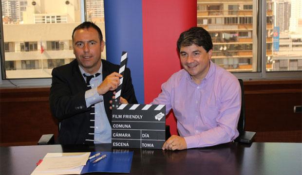 Valdivia, comuna Film Friendly: Carlos Lobos, subdirector del Consejo de la Cultura, y Omar Sabat, alcalde de Valdivia.
