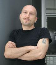 Rodolfo Cepeda, profesor de Historia y Geografía, actor profesional y tallerista del programa Acciona en la Región de Valparaíso