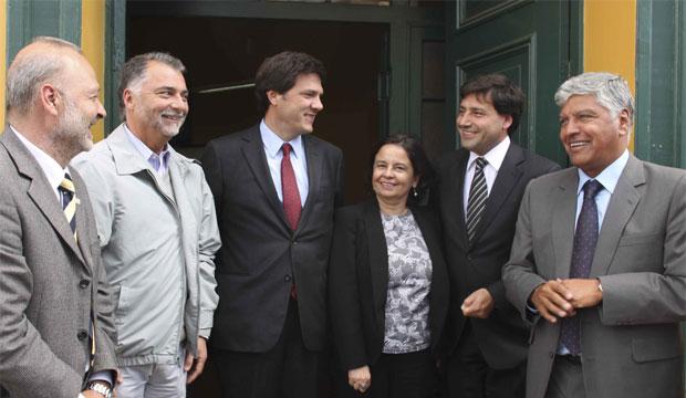 Ministros de Cultura y Transporte planean incluir circuitos culturales a la futura integración de transporte público de Valparaíso