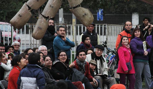 El Día Nacional del Teatro se vivió en San Joaquín con una función masiva y gratuita de La Gran Reyneta