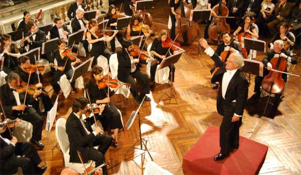 Orquesta de Cámara de Chile - Juan Pablo Izquierdo