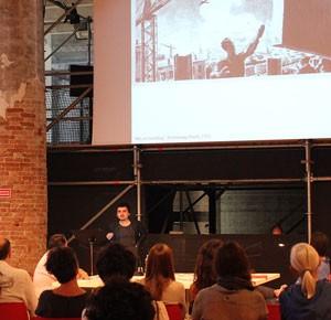 Ganadores del León de Plata en la Bienal de Venecia expusieron en seminario Monolith Controversies