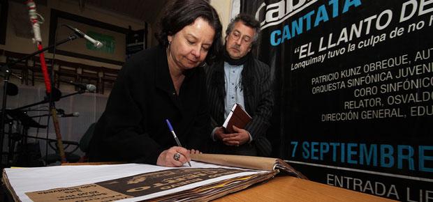 Ministra de Cultura anuncia que Temuco contará con centro para la creatividad orientado a niños y jóvenes