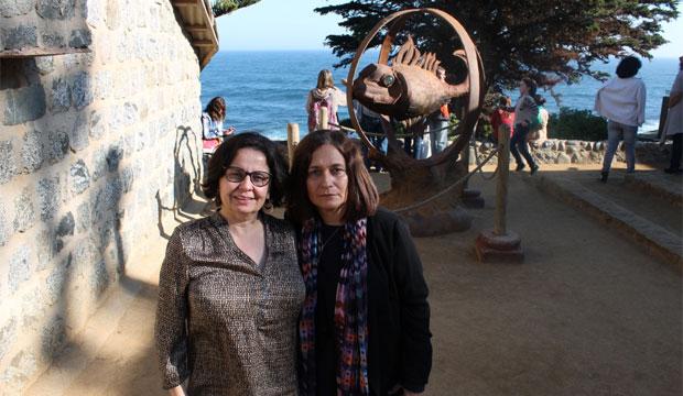 Poeta cubana Reina María Rodríguez y ministra de Cultura recorren casa de Neruda en Isla Negra