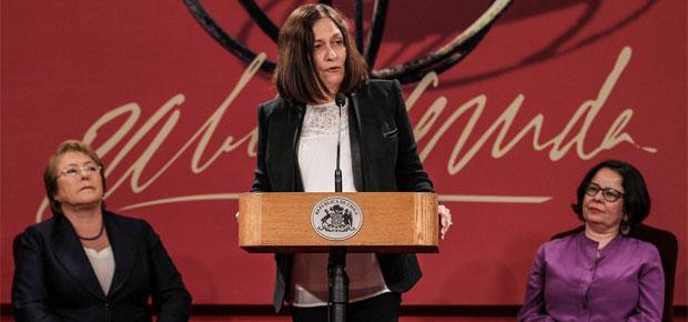 Poeta Reina María Rodríguez recibe Premio Iberoamericano Pablo Neruda