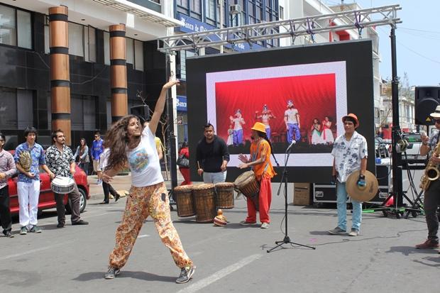 Mistica Show y agrupación cultural Brannegó en lanzamiento.