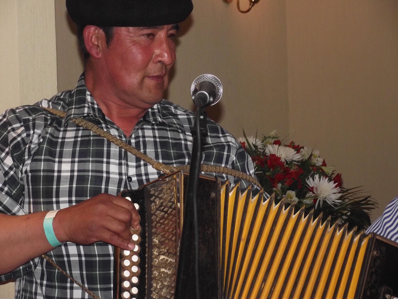 Pedro Haro, músico tradicional es uno de los artistas de la delegación que viajará a la MAcrozonal