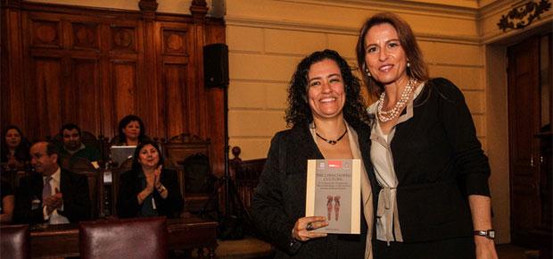 Subdirectora Lilia Concha destaca valor de la cultura Chinchorro en lanzamiento de libro de Unesco