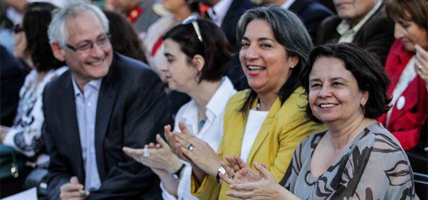 conmemoración del día internacional de la no violencia contra la mujer
