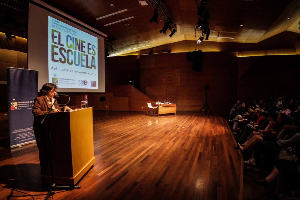 Ministra de Cultura destacó esfuerzo conjunto del CNCA y la Universidad de Chile para llevar el cine a la escuela