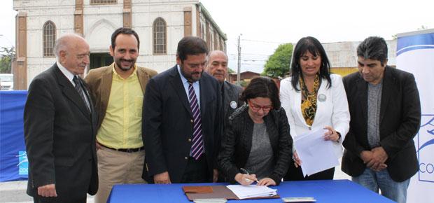 Ministra de Cultura y autoridades locales firman acuerdo para la recuperación de barrios emblemáticos en Coquimbo