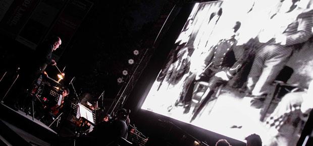 Ministra Barattini encabeza proyección de emblemática cinta Húsar de la Muerte en Parque Forestal en el Día del Cine Chileno