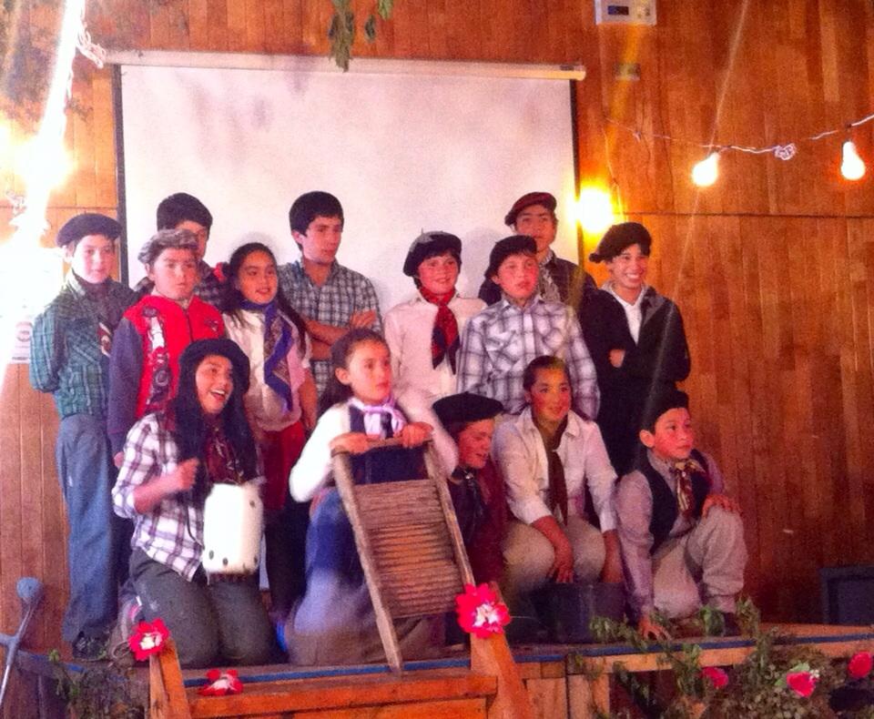 Toda la comunidad de bahía Murta participó de Residencia artistica en teatro