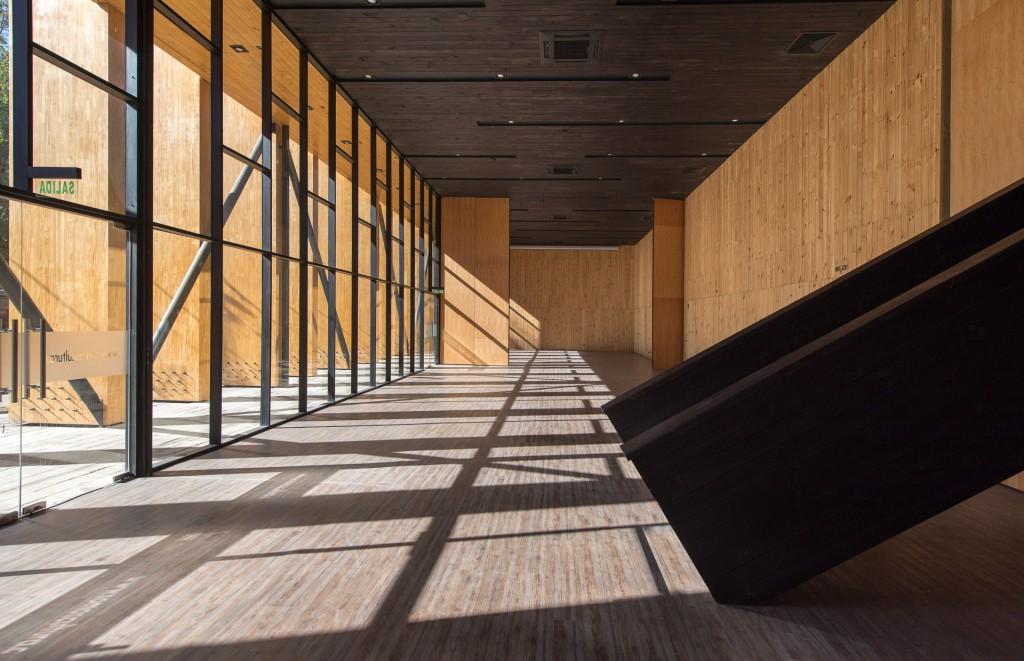 Interior Centro Cultural de Constitución - Fotografía: Felipe Díaz Contardo