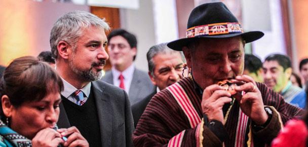 Ministro Ottone asistió a celebración del Día Nacional de los Pueblos Indígenas en La Moneda