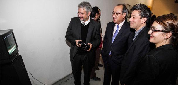 Ministro de Cultura, Ernesto Ottone; Embajador de México en Chile, Otto Granados; curador Cristián Silva; y directora Galería Gabriela Mistral, Florencia Loewenthal.
