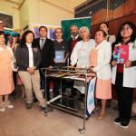 Ministro Ottone junto a equipo de voluntarios y doctores