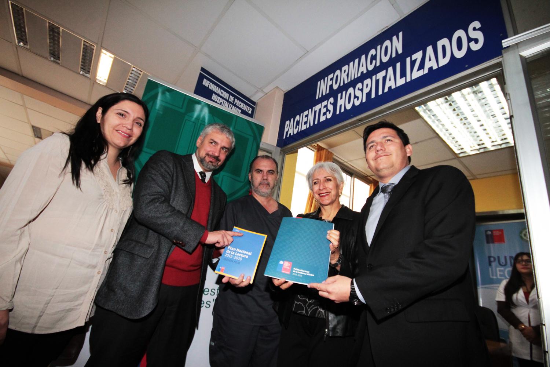 Ministro Ottone y autoridades regionales de Tarapacá