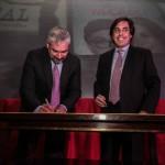Ministro de Cultura junto al presidente BancoEstado firman convenio. / Fotografía: Rodrigo Campusano