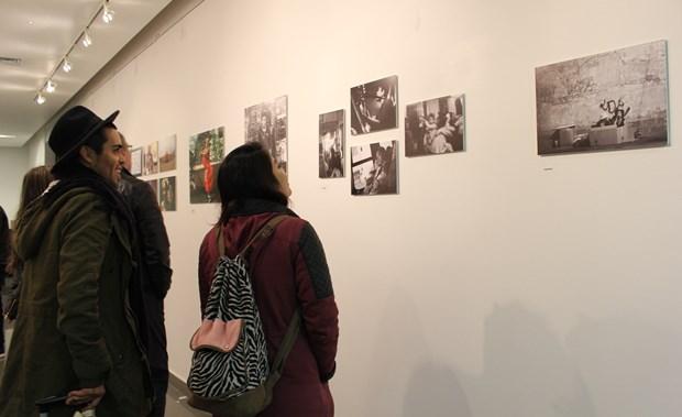 Comunidad visitando exposición Imaginario Local