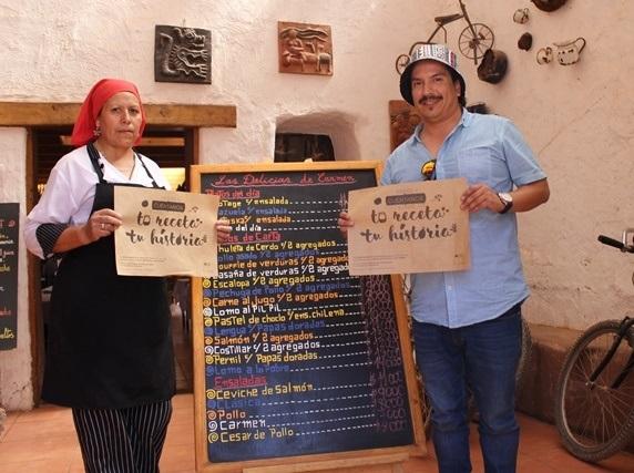 Comunidad de San Pedro de Atacama recibiendo información de concurso.