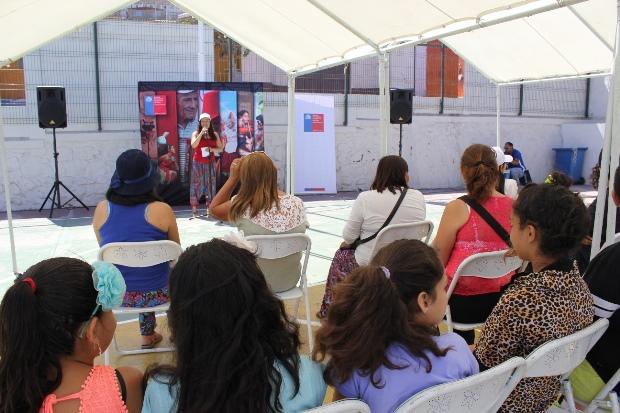 Directora Regional, Carla Redlich, en lanzamiento de programa Arte+Comunidad