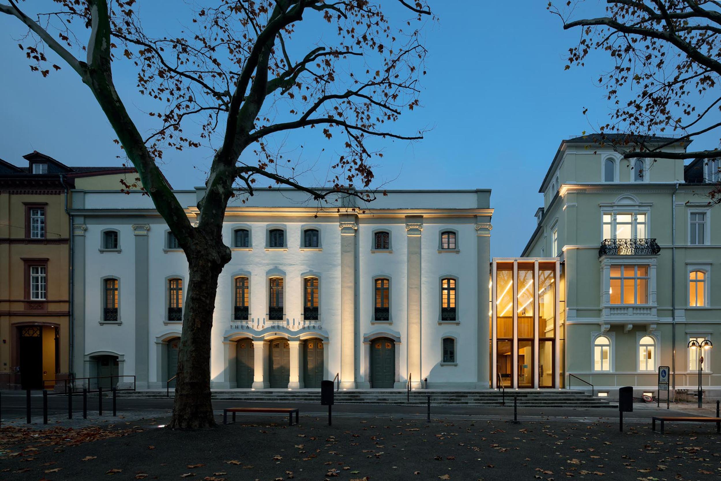 Crédito foto: Ansicht Theaterstr.6 Nacht_c_waechter+waechter_architekten_bd