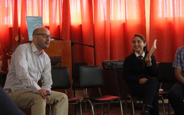 Una entretenida conversación sostuvo Andrés Gomberoff con estudiantes de liceo Técnico